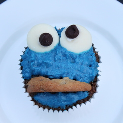 Cookie Monster Cupcakes with Blue Buttercream Frosting