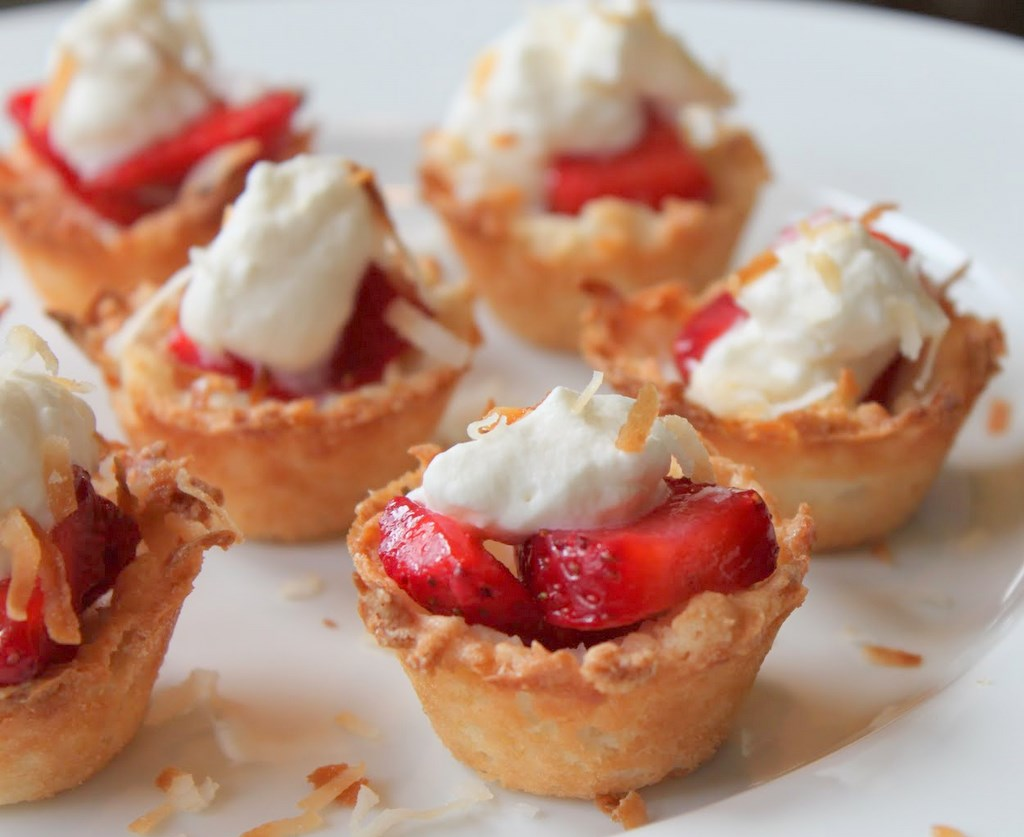 Strawberry Coconut Macaroon Tartlets | Itsy Bitsy Foodies