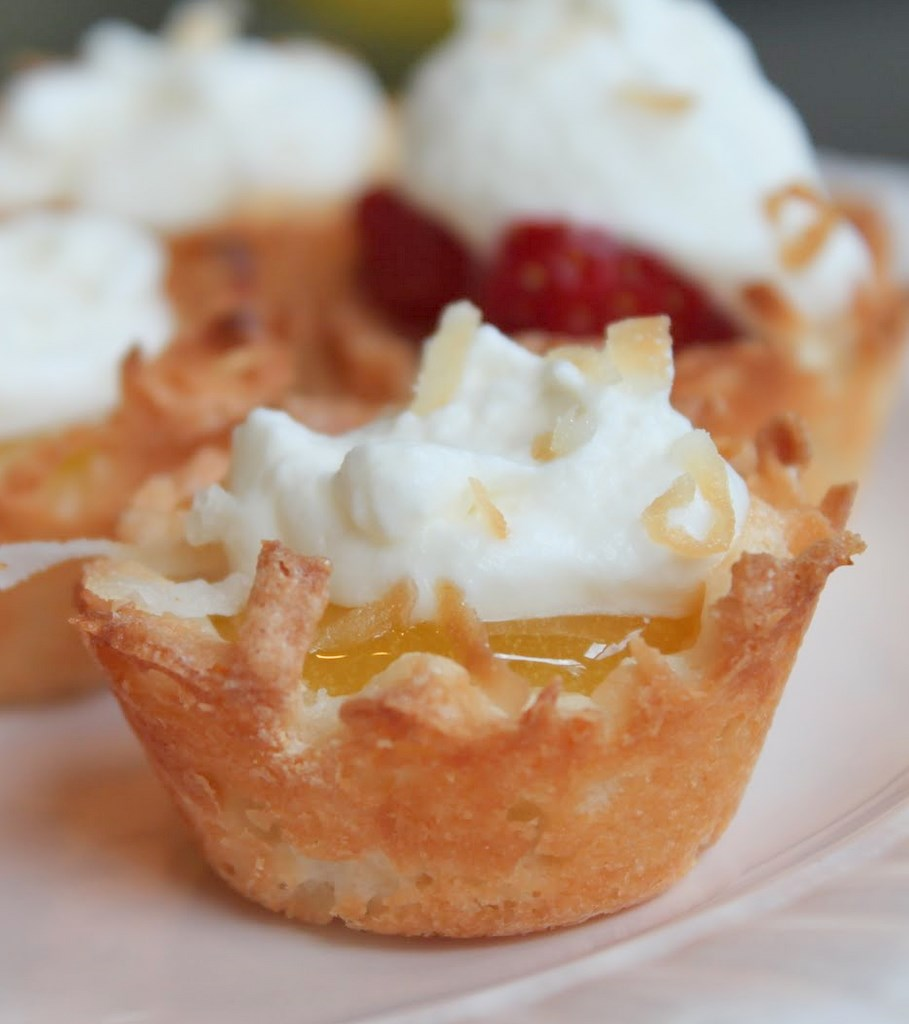 Lemon Coconut Macaroon Tartlets | Itsy Bitsy Foodies