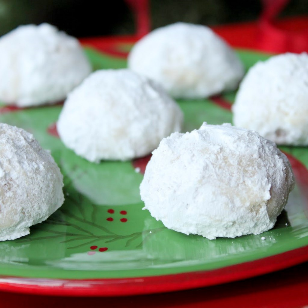 Russian Tea Cakes   Itsy Bitsy Foodies