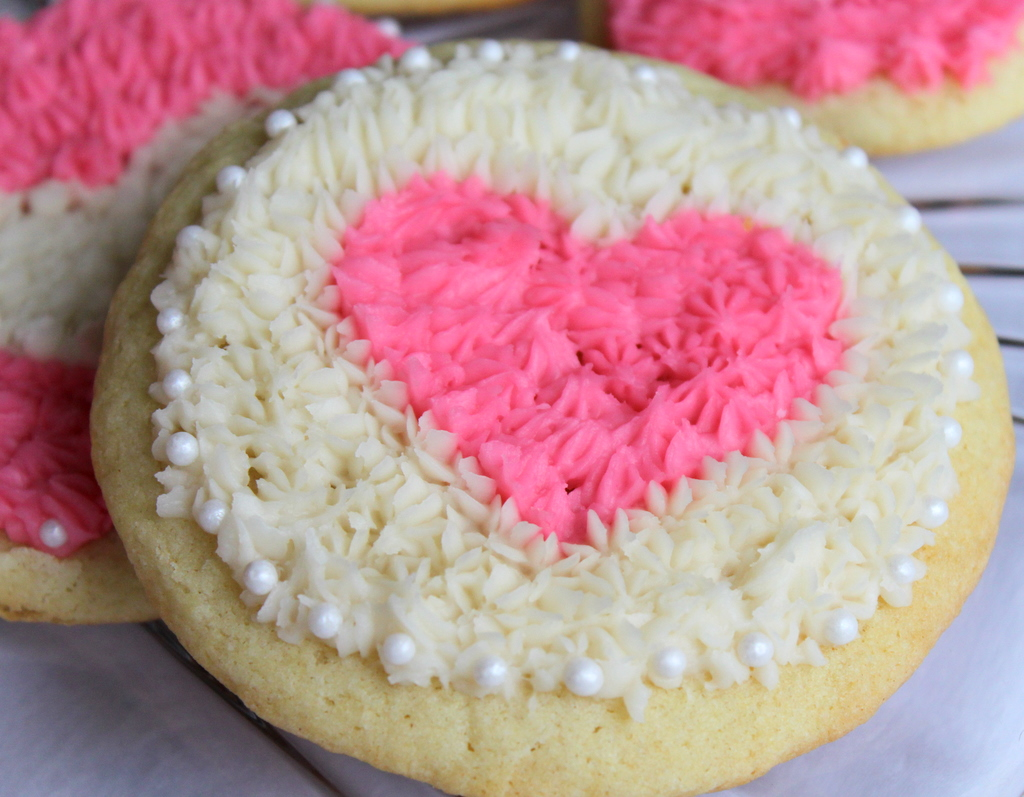 Old-Fashioned Soft Sugar Cookies | Itsy Bitsy Foodies