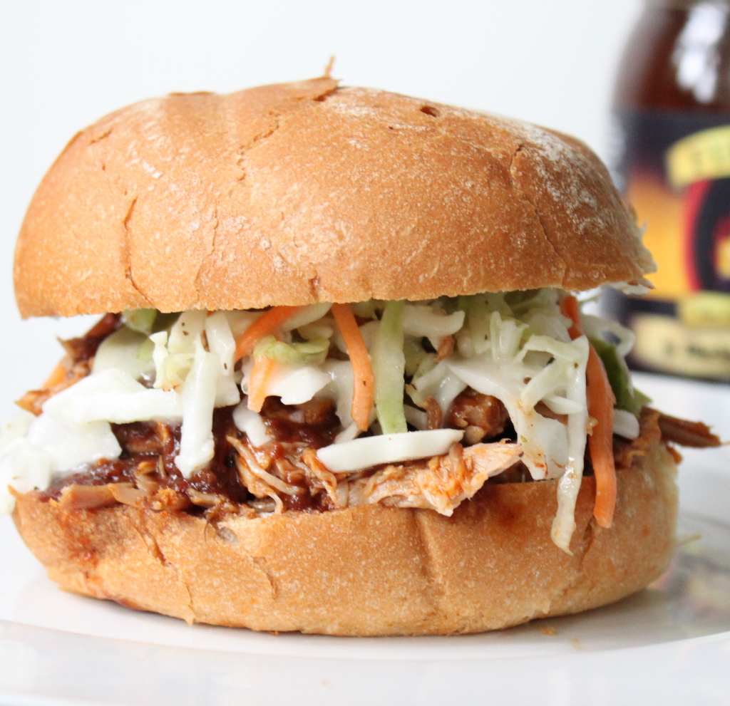 BBQ Pulled Pork Sandwiches | Itsy Bitsy Foodies