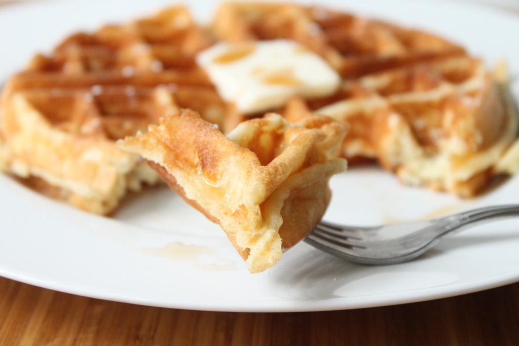 Yeast-Leavened Belgian Waffles | Itsy Bitsy Foodies