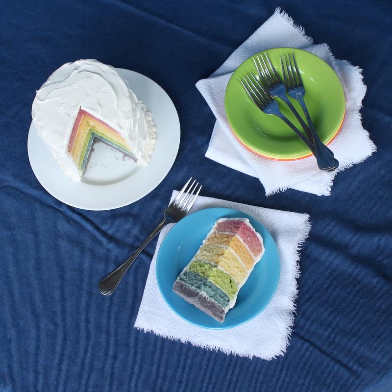 Rainbow Cake dengan Pewarna Alami