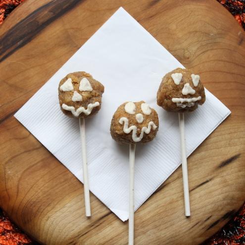 Naked {Jack-o-lantern} Cake Pops