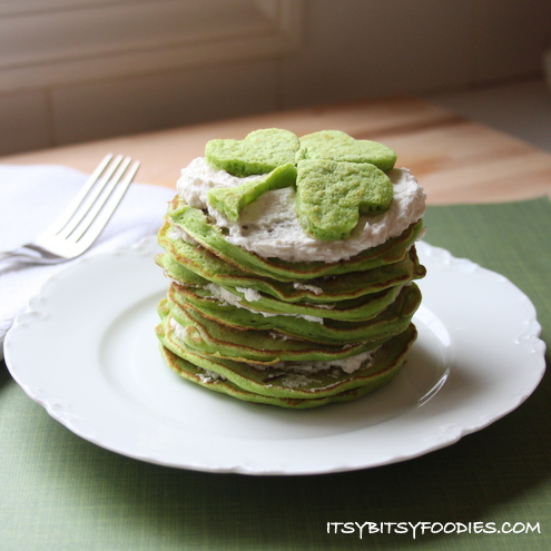 Naturally-Dyed Green Velvet Pancakes